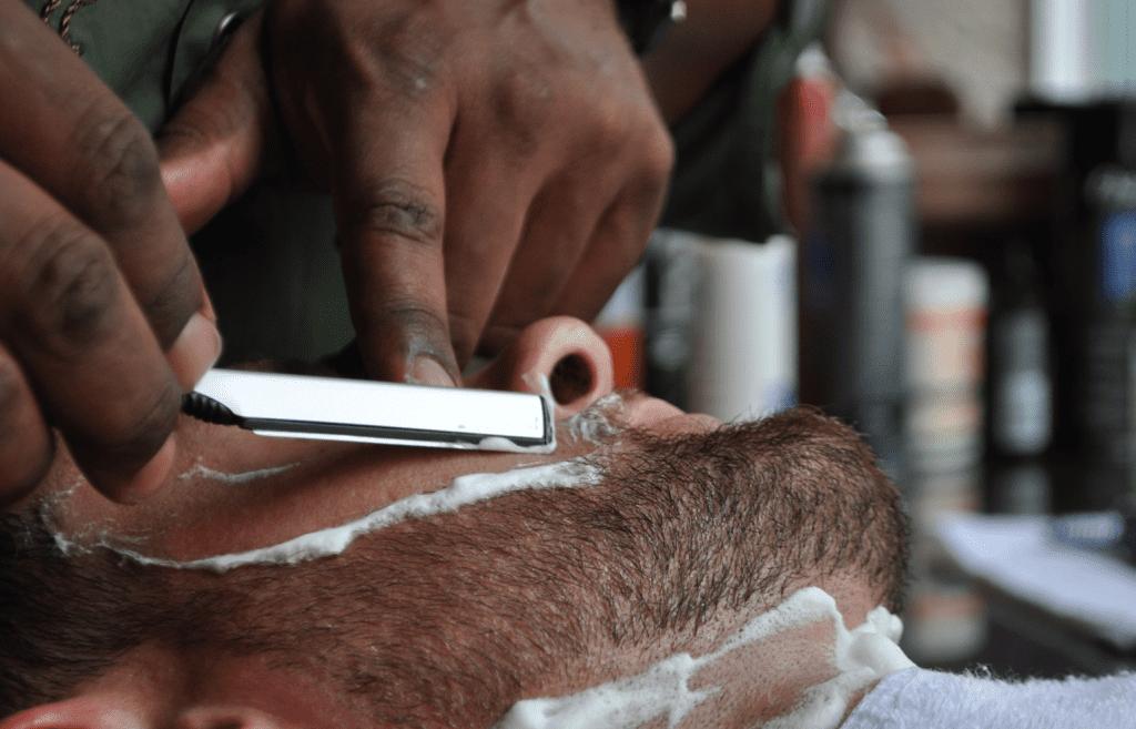 straigh-razor-shave-st-louis